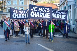 Charlie marche debout ...